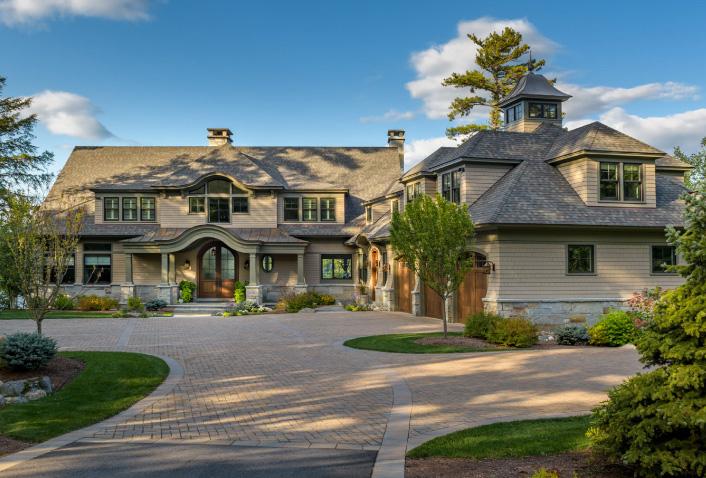 Custom Residential Spotlight: Lake House Living